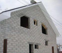 Качественный и недорогой дом из пеноблоков, кирпича, бруса в городе Сургут, можно заказать в нашей компании профессиональных строителей СтройСервисНК